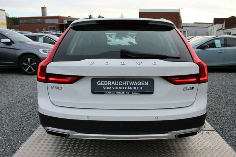 Volvo V90 Cross Country CC D4 AWD AHK Panorama IntelliSafe Euro6